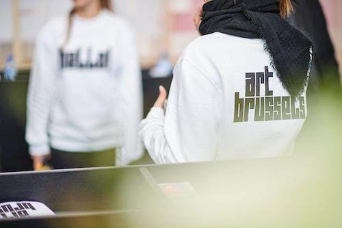 Application of Art Brussels' logo on hoodies