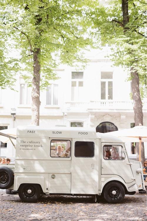 Graanmarkt 13 branded food truck in the streets