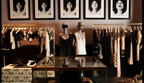 The inside of the store of Kiki de Monparnasse