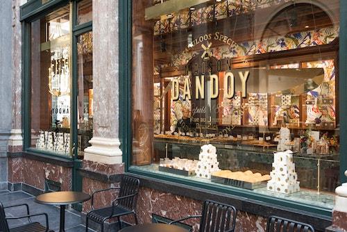 Maison Dandoy branded store at Galeries de la Reine