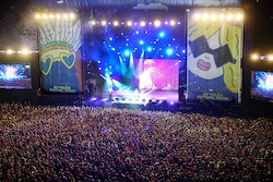 Top view of the crowd in front of the stage of the Paleo Festival